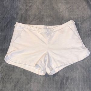 Extremely cute Lily Pulitzer white shorts size 12